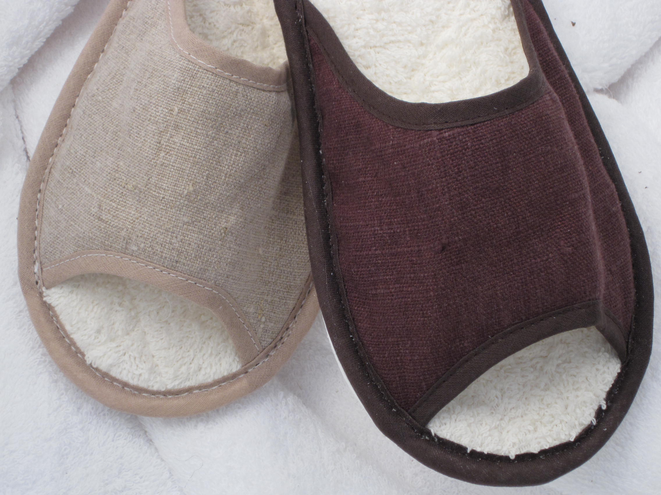 1.3 Natural Linen Slippers
