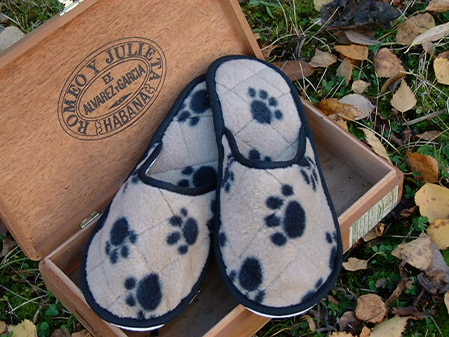 Style 327 Paws Slippers